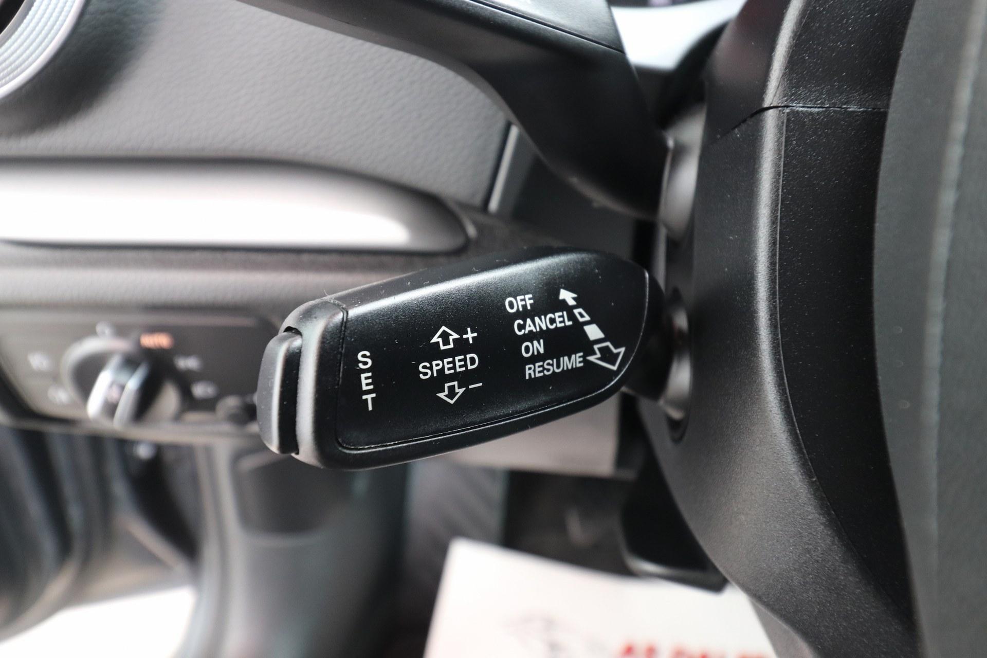 Audi A3 Limuzina 2.0 TDI 150 KS Sport Selection EXCLUSIVE PLUS S-Line Sportpaket Bi-Xenon+LED Navigacija Parktronic MAX-VOLL New Modell 2017