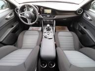 Alfa Romeo Giulia 2.2 JTDM Sportpaket Plus Bi-Xenon + LED Navigacija 2xParktronic Max-Voll 110 kW-150 KS -New Modell 2017-