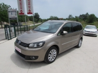 Volkswagen Touran 2.0 CR TDI DSG-Tiptronik HIGHLINE SPORT CARAT Kamera Bi-Xenon + LED * Navigacija Park Assist Max-FULL 140 KS New Modell