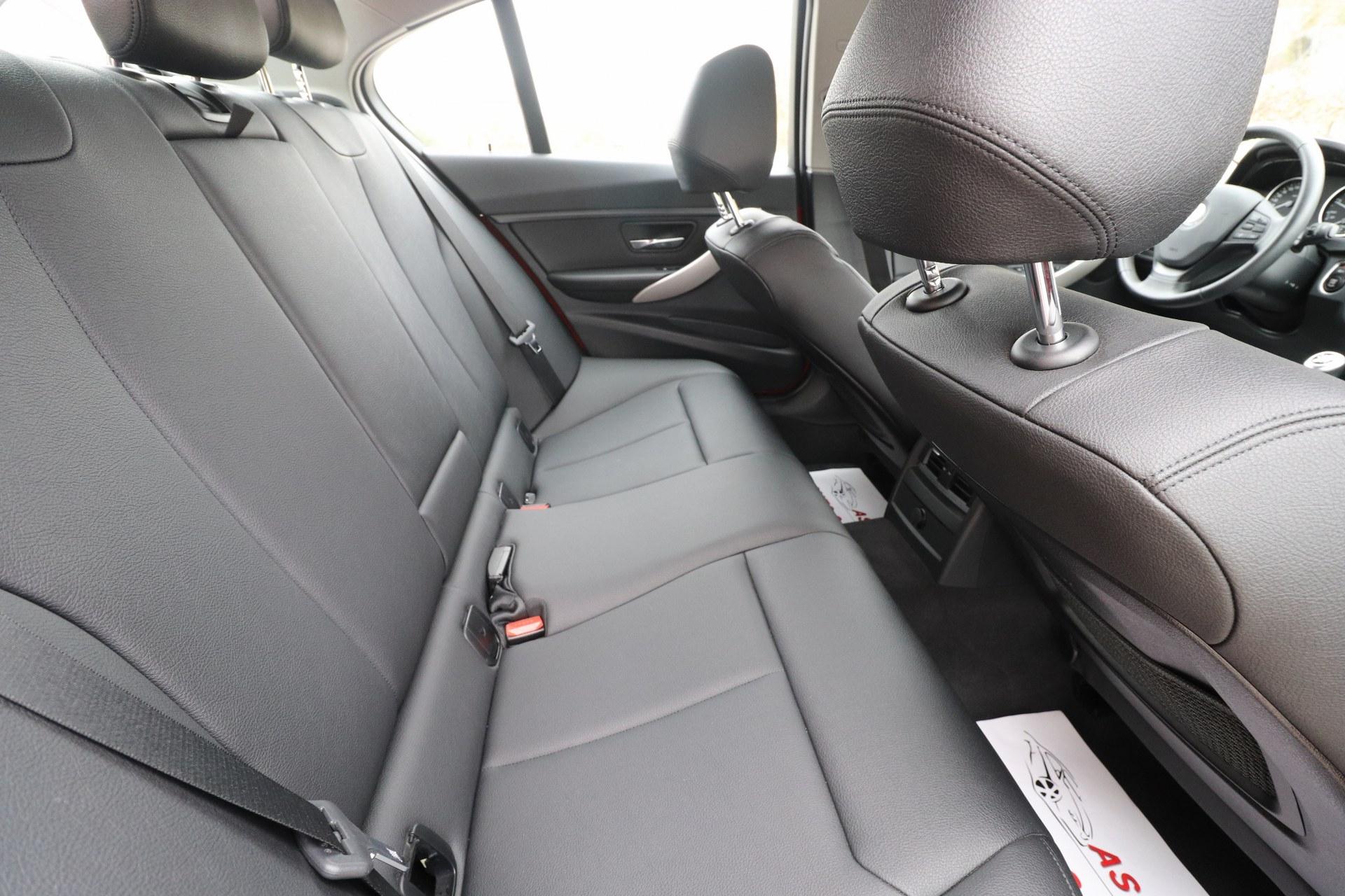 BMW 318 D F30 INDIVIDUAL Sportpaket Plus Edition Exclusive Navigacija Parktronic Max-VOLL Bi-Xenon+LED 100 kW-136 KS New Modell 2015